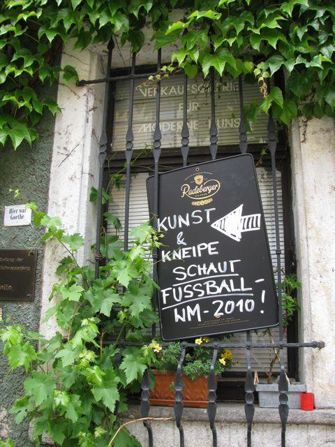 """Fußball-WM 2010 in """"Kunst und Kneipe"""""""
