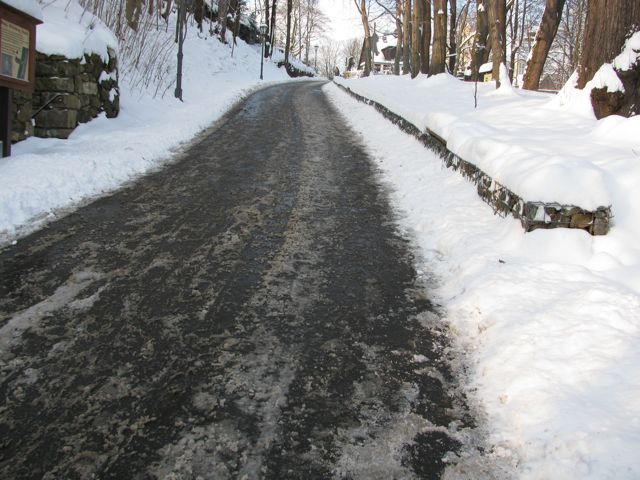 Fußweg mit Salz
